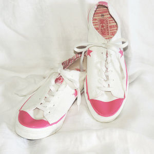 Converse One Star pink & white sneakers